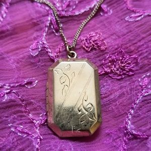 Vintage locket necklace gold tone etched flowers